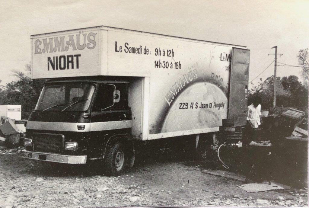 1er Camion d'Emmaüs